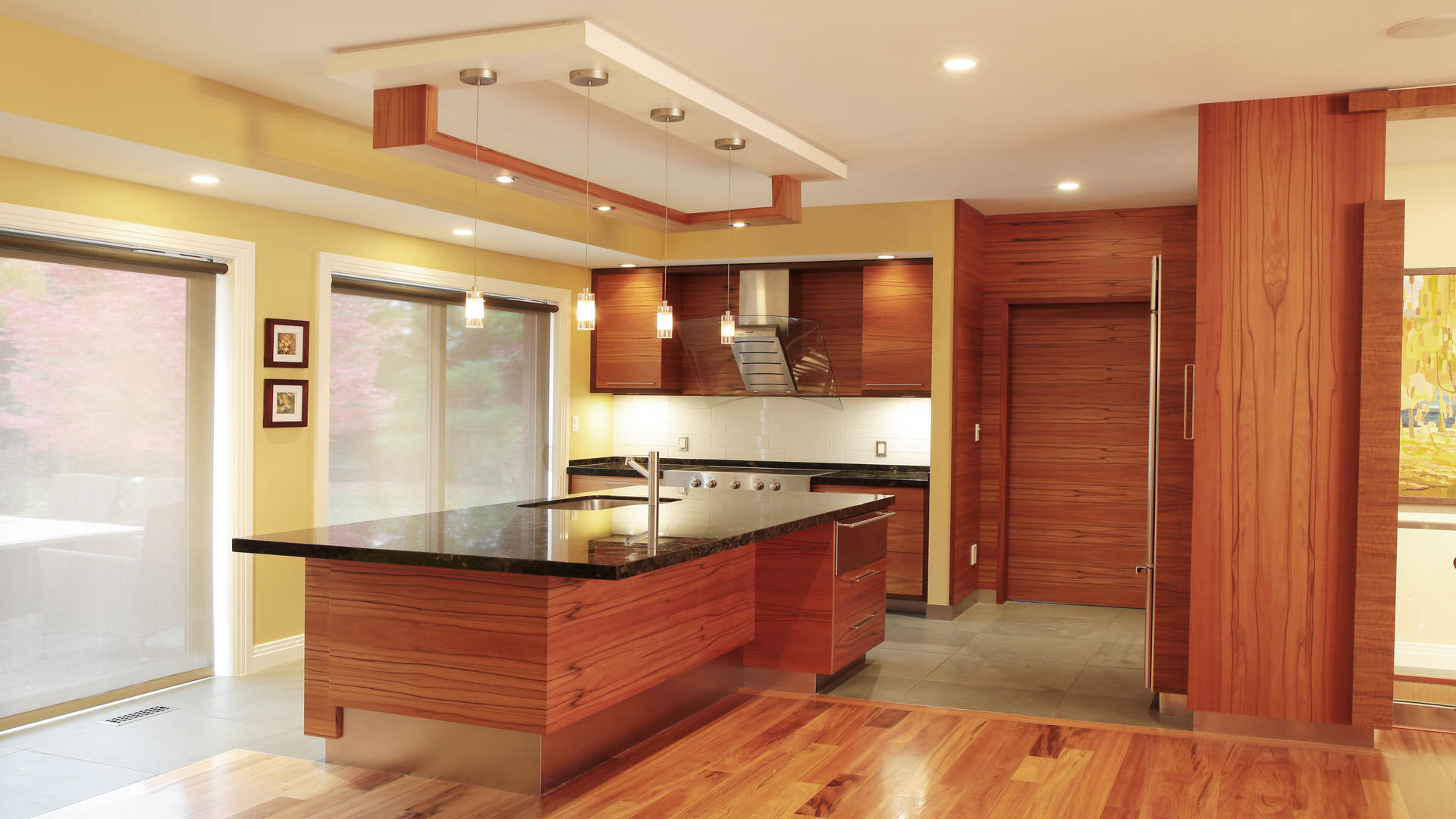Hot Press Exotic Wood Veneering for Residential & Commercial Spaces: Walls, Shelving & Cabinetry
